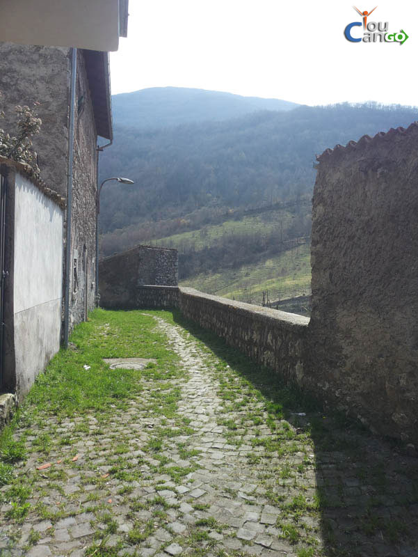 Castellafiume33