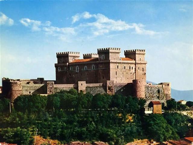 Visita guidata  al Borgo ed al castello Piccolomini di Celano