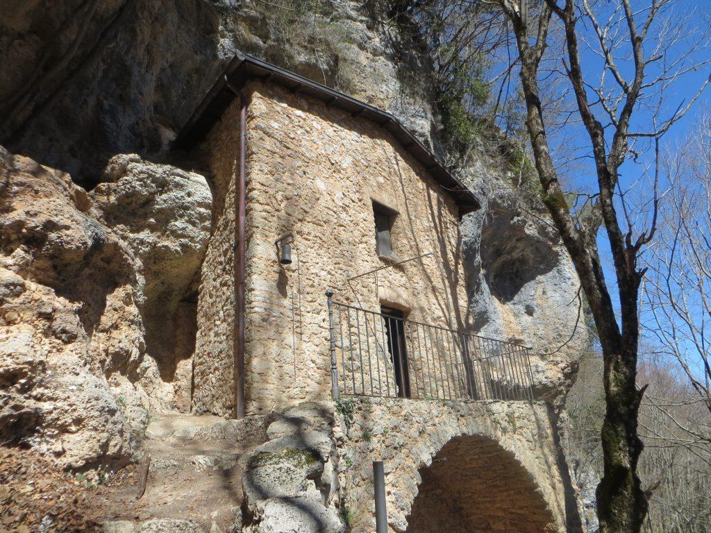 Escursione guidata all'Eremo di Santa Maria del Cauto a Morino